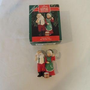 1990 Hallmark Popcorn Party Christmas Ornament Mr